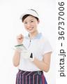 ゴルフ 女性 人物の写真 36737006