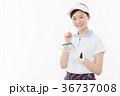 ゴルフ 女性 人物の写真 36737008