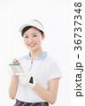 ゴルフ 女性 人物の写真 36737348