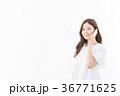 スマートフォン スマホ 女性の写真 36771625