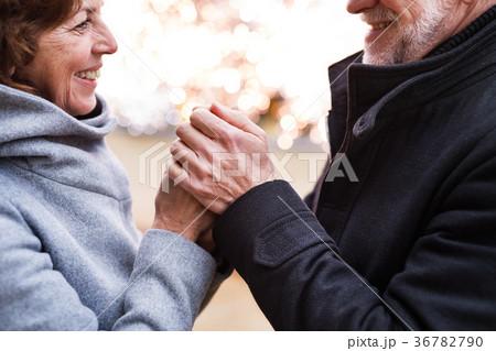 Senior couple doing Christmas shopping.の写真素材 [36782790] - PIXTA