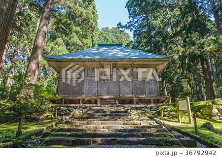 平泉寺白山神社 拝殿風景 36792942