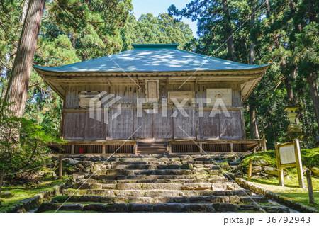 平泉寺白山神社 拝殿風景 36792943