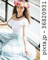女性 ポートレート フラの写真 36820931