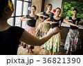 人物 女性 フラダンスの写真 36821390