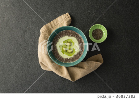 Sliced kiwifruit with milk in a bowlの写真素材 [36837382] - PIXTA