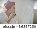 女性 メイク 口紅の写真 36857260