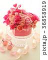 フラワーアレンジメント ばら ピンクの写真 36858919