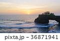 夕焼け 海 太陽の写真 36871941