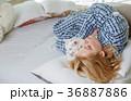 女性 静か ねむりの写真 36887886