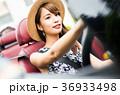 沖縄を旅する女性 36933498