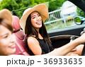 沖縄を旅する女性 36933635