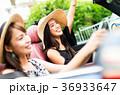 沖縄を旅する女性 36933647