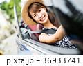 沖縄を旅する女性 36933741