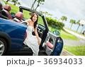 沖縄を旅する女性 36934033