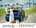 沖縄を旅する女性 36934047