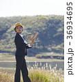 人物 女性 ヘルメットの写真 36934695
