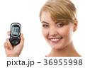 女性 メーター 計器の写真 36955998