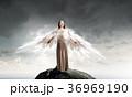 天使 女 女の人の写真 36969190