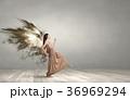 天使 女 女の人の写真 36969294