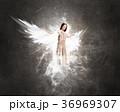 天使 女 女の人の写真 36969307