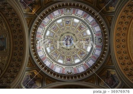 ブダペスト、聖イシュトヴァーン大聖堂の天井画 36976976