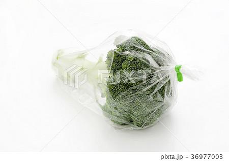 袋詰めされたブロッコリー 36977003