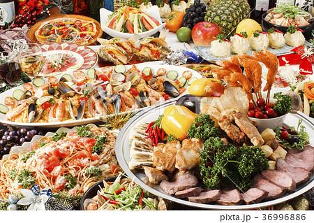 パーティ料理 36996886
