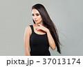 女 女の人 女性の写真 37013174