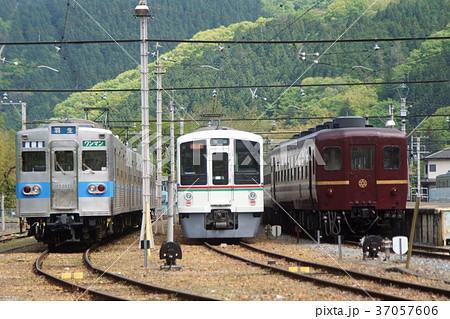 秩父鉄道の風景 三峰口駅車両基地 37057606
