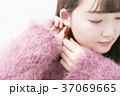 女性 耳 イヤリングの写真 37069665