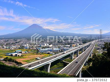 新東名と富士山-6827 37072032