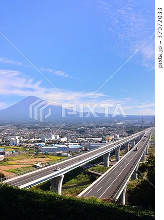 新東名と富士山-6828 37072033