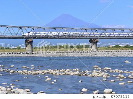 富士川と新幹線と富士山-5514 37072115