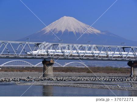 新幹線と富士山-5431 37072271