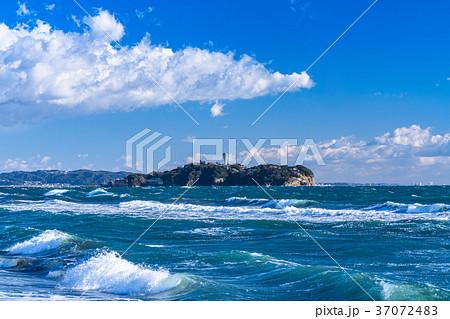 《神奈川県》江ノ島を望む・湘南海岸 37072483
