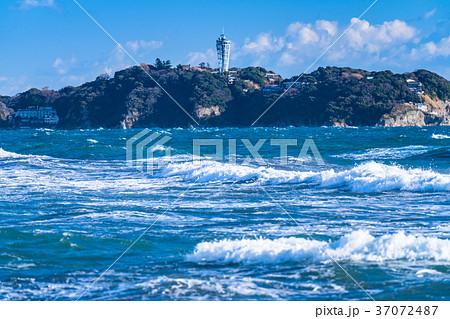 《神奈川県》江ノ島を望む・湘南海岸 37072487