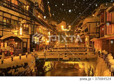 冬の銀山温泉 37084524