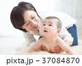赤ちゃん 母親 子供の写真 37084870