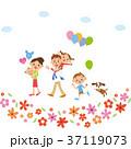 お花の中を散歩する家族 37119073