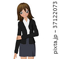 女性 ビジネススーツ ポーズのイラスト 37122073