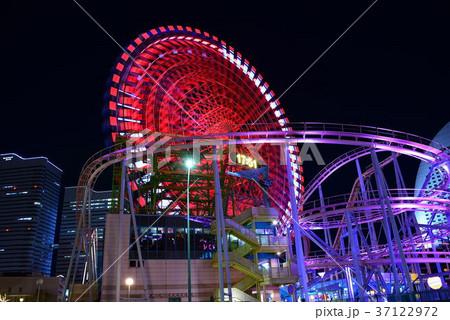 横浜みなとみらい地区の夜景 37122972