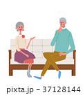 人物 座る シニアのイラスト 37128144