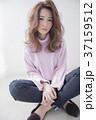 ヘアスタイル ミディアム 女性の写真 37159512