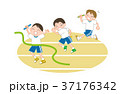 リレー 子供 ゴールのイラスト 37176342
