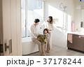 家族 親子 バスルームの写真 37178244