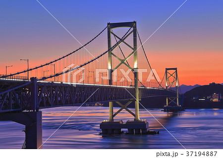大鳴門橋の夕景 37194887