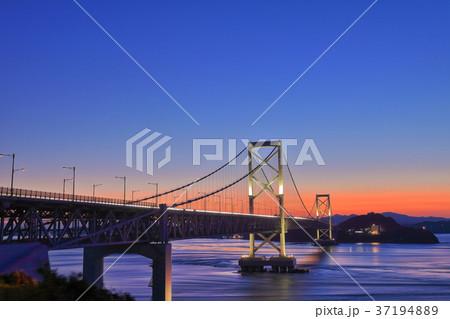 大鳴門橋の夕景 37194889