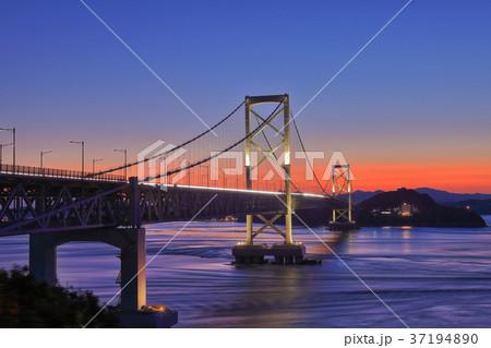 大鳴門橋の夕景 37194890