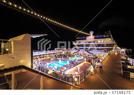 pool deck of msc meraviglia mscメラビリア プールデッキの写真素材
